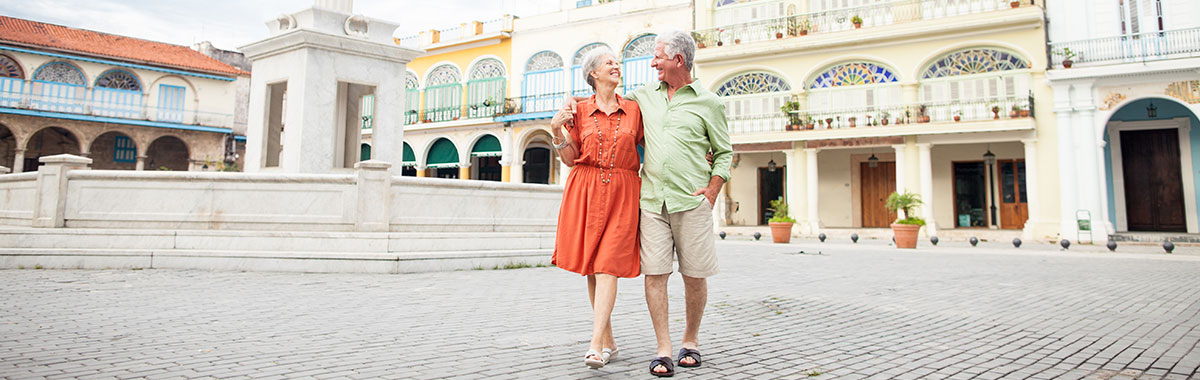 couple on a trip relaxed because they have trip insurance